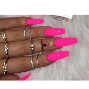 Accessories - hot pink glue on nails!